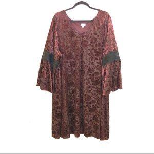 New Avenue Plus Size Velvet Floral Burnout Dress